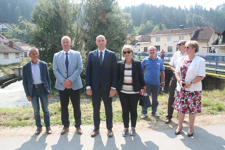 Slika 3: M. Tasič, T. Prohinar, S. Zajc, N. Colnarič, S. Stražar