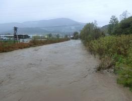 Slika 8: Meža, Otiški vrh - poplava 2012